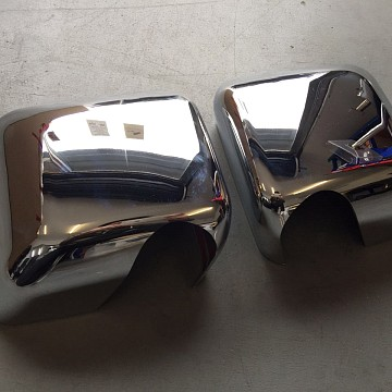 Image of a Jeep Wrangler Lights And Mirrors  Pair of Chrome Color Mirror Cover