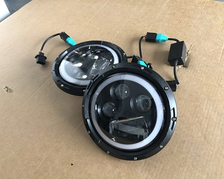 Picture of a 0511 Style 7 Inch Halo ring LED Headlights