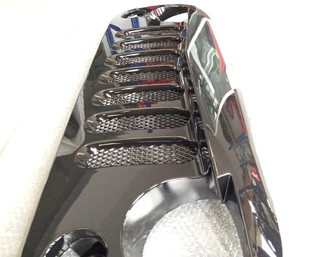 Picture of a Angry Bird Grille V Shape Gloss black with Mesh
