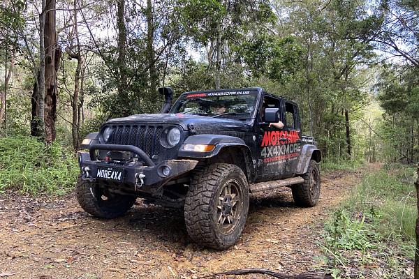 Picture of a Jeep Wrangler 2019 JL Premium Front Bumper (Matte-Black, incl. Fog Lights)