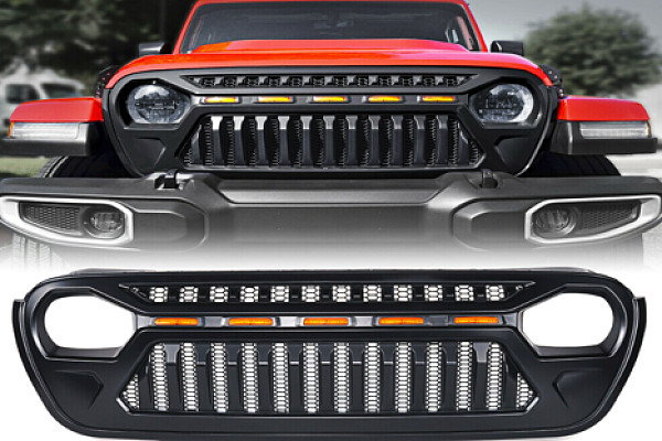 Picture of a Jeep Wrangler JL  Angry Grille with 5 amber led lights 0005