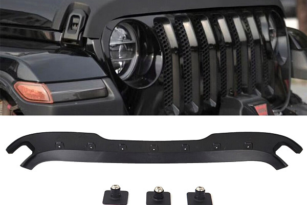 Picture of a Jeep Wrangler JL  hood guard