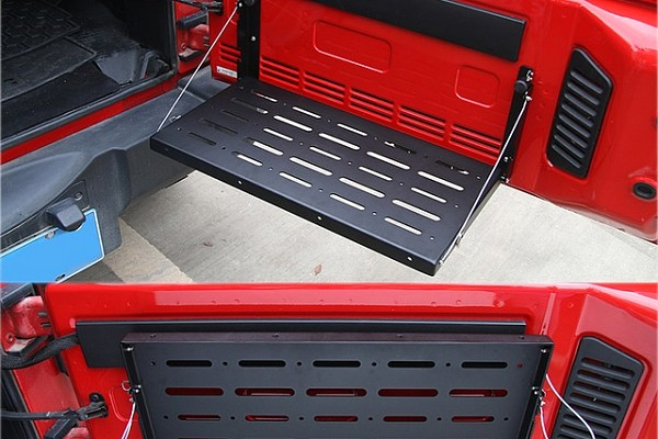 Picture of a Jeep Wrangler Tailgate Foldable Table